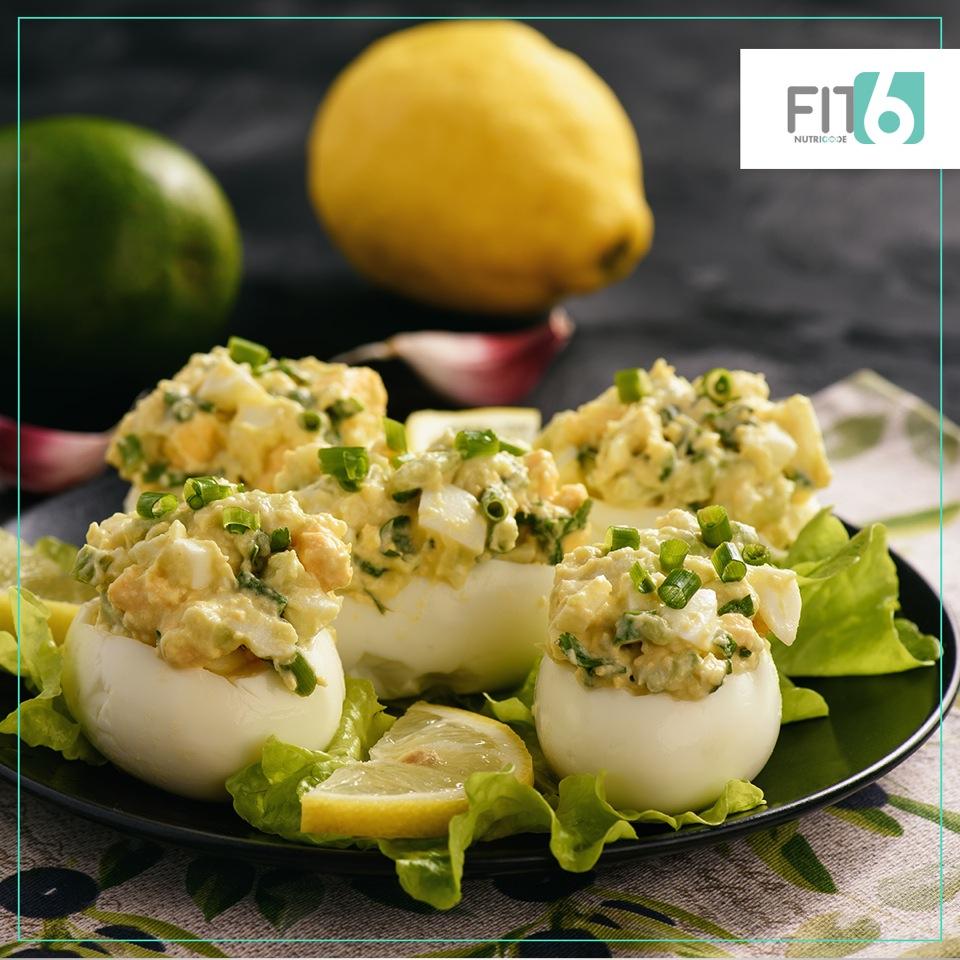 przepis na jaja faszerowane z awokado - natalia ryńska fit6